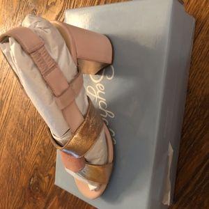 brand new Seychelles pink leather/suede block heel